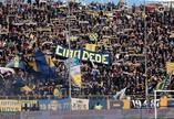 Torcedores do Parma homenageiam Daniele Belardinelli, interista morto em confusão com ultras do Napoli