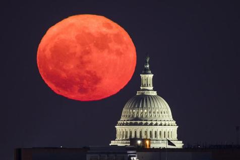 Superlua em Washington, nos Estados Unidos