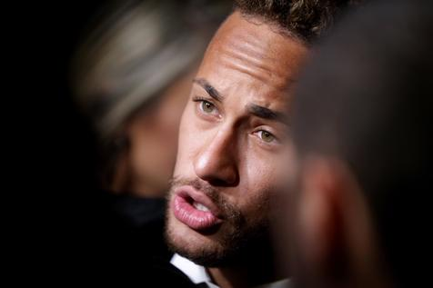 Neymar breaks silence to announce that he will stay at Paris Saint-Germain