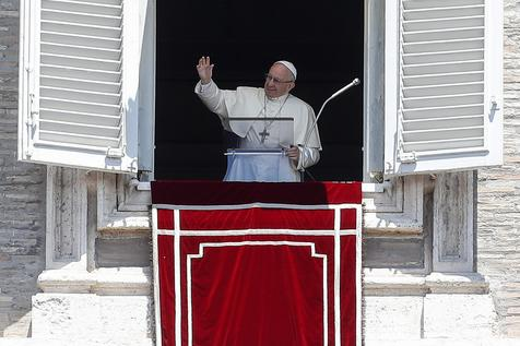 Papa Francisco durante Angelus no Vaticano