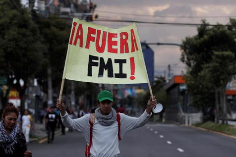 Protesto contra medidas de austeridade do governo do Equador em Quito, capital do país